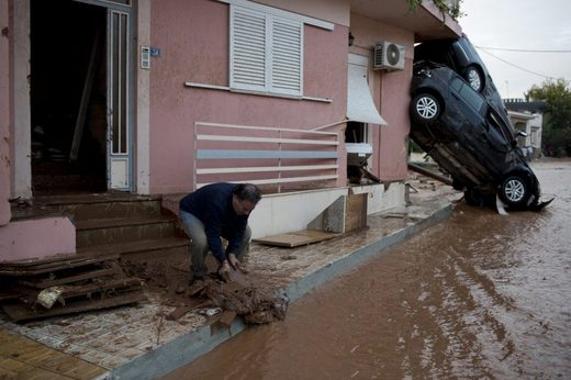 At least 14 dead after 'Biblical' flash floods in Greece (PHOTO, VIDEO) Nov 2017