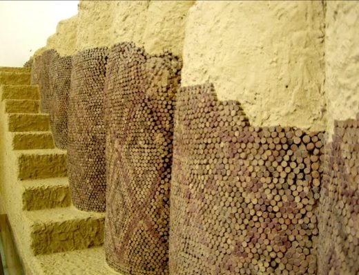 Cone mosaics covering a wall in Uruk, Irak